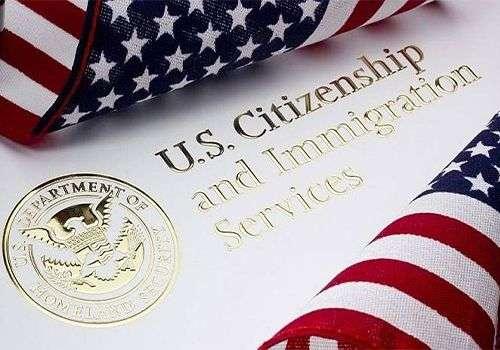 Tramp produžio zabranu izdavanja zelenih karata i radnih viza do 31.marta