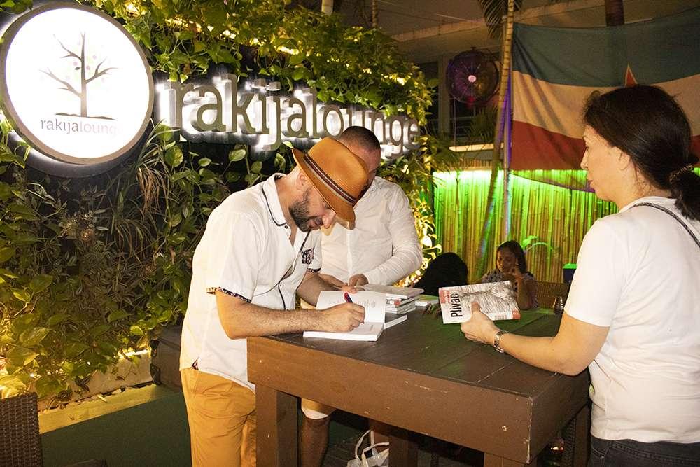 Pisac Andrija Terzić održao promociju romana u Majamiju!