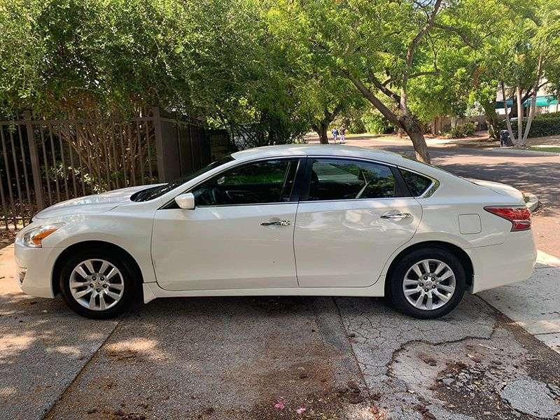 Auto na prodaju – Nisan Altima