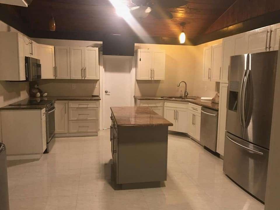 Kuća i sobe za rentu – North Miami