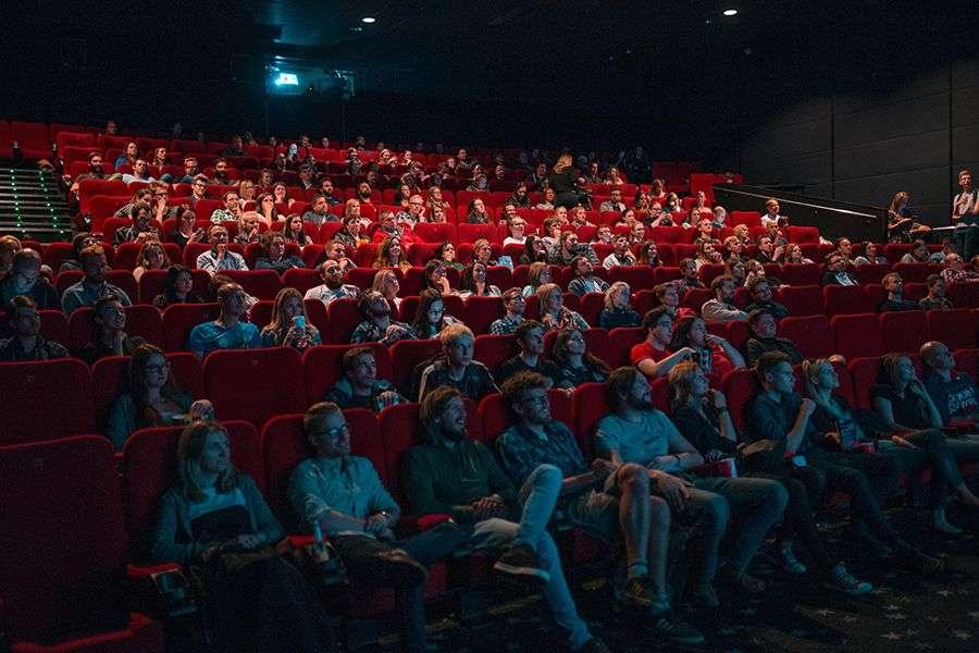 Bioskopi u okrugu Miami-Dade otvaraju se u petak, barovi za dve sedmice