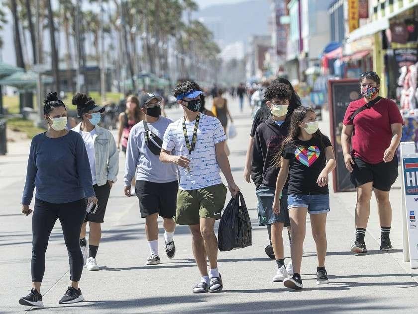 Pravila za maske u okrugu Miami-Dade prevazilaze smernice CDC-a: uključuju nošenje i na otvorenom