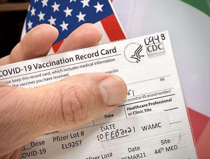 Svi aplikanti za zelenu kartu sada moraju biti potpuno vakcinisani protiv COVID-19